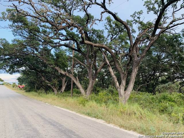 611 Stevens Rd, Somerset, TX 78069 (MLS #1469589) :: The Glover Homes & Land Group