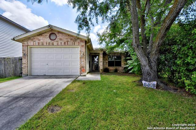 6818 Misty Field Dr, Converse, TX 78109 (#1469628) :: The Perry Henderson Group at Berkshire Hathaway Texas Realty