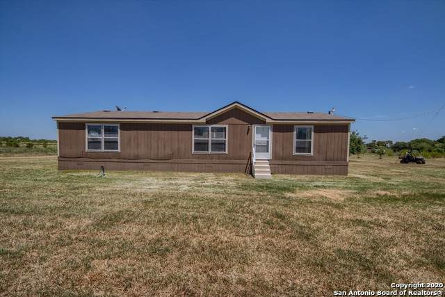 132 Price Rd, Poteet, TX 78065 (#1469735) :: The Perry Henderson Group at Berkshire Hathaway Texas Realty