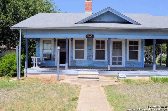 1103 Crouch Ave, Jourdanton, TX 78026 (MLS #1469805) :: Berkshire Hathaway HomeServices Don Johnson, REALTORS®