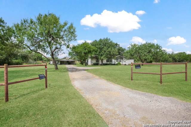 54 County Road 222, Floresville, TX 78114 (MLS #1469862) :: The Heyl Group at Keller Williams