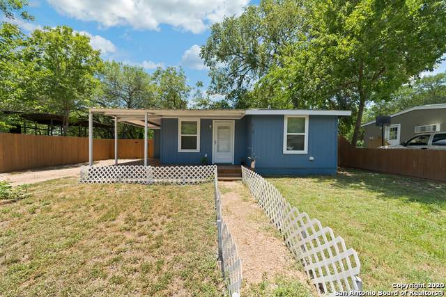721 E Walnut St, Seguin, TX 78155 (MLS #1469881) :: Alexis Weigand Real Estate Group