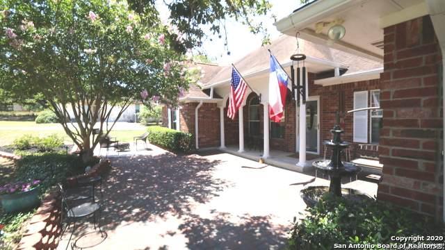 1253 Hillside Oaks Dr, La Vernia, TX 78121 (MLS #1469997) :: BHGRE HomeCity San Antonio