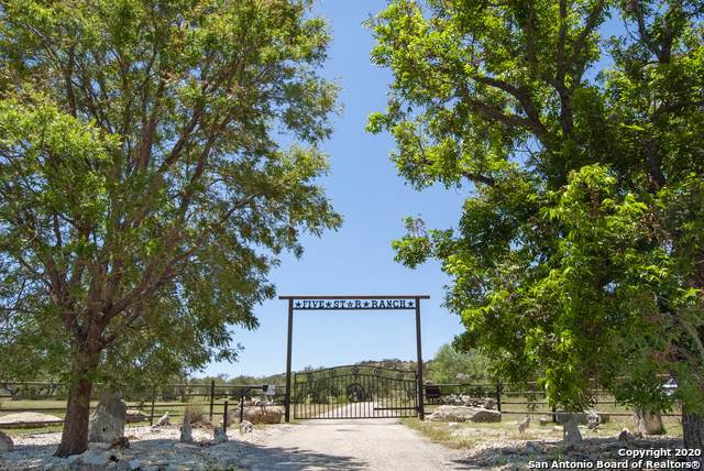 1249 Thompson Dr, Kerrville, TX 78028 (MLS #1470034) :: The Mullen Group | RE/MAX Access