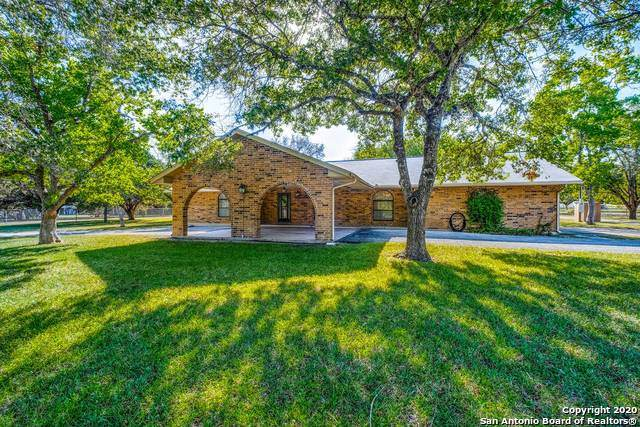 16935 Scenic Loop Rd, Helotes, TX 78023 (MLS #1470224) :: The Gradiz Group