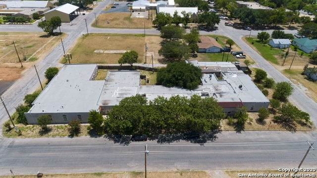 320 S Ash St, Pearsall, TX 78061 (MLS #1470506) :: The Mullen Group | RE/MAX Access