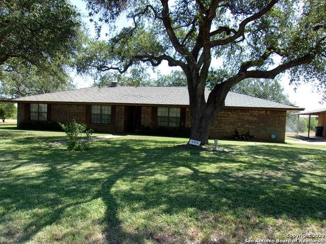 599 Lagunillas Ave, Charlotte, TX 78011 (#1470574) :: The Perry Henderson Group at Berkshire Hathaway Texas Realty