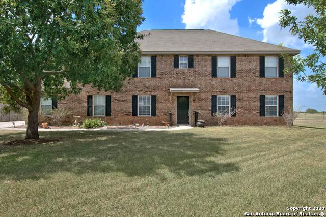 205 Castlewood Dr, Seguin, TX 78155 (MLS #1471599) :: Alexis Weigand Real Estate Group