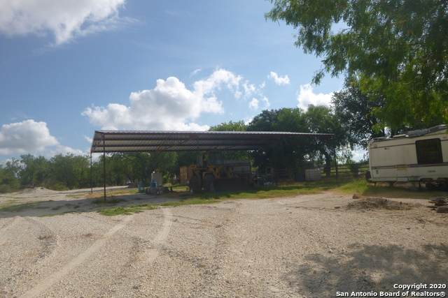 000 S Loop 1604, San Antonio, TX 78264 (MLS #1471626) :: 2Halls Property Team | Berkshire Hathaway HomeServices PenFed Realty