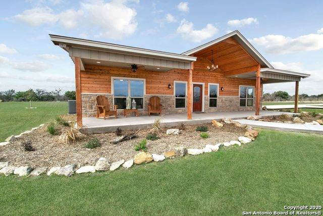 1037 County Road 355, Hondo, TX 78861 (#1471810) :: The Perry Henderson Group at Berkshire Hathaway Texas Realty