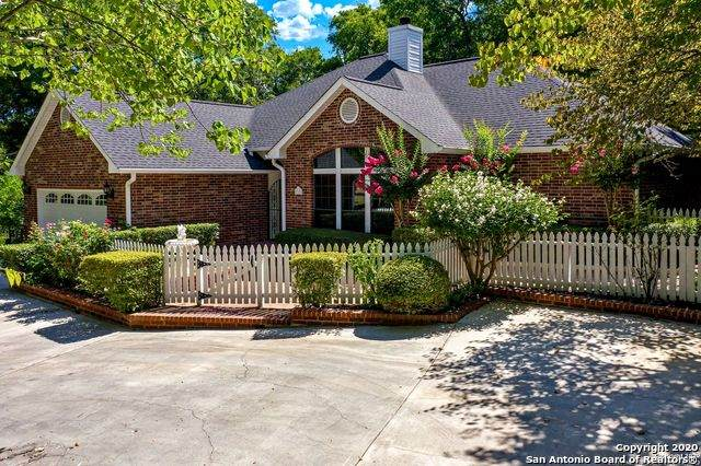 110 Spring Valley Dr, Boerne, TX 78006 (MLS #1471897) :: Alexis Weigand Real Estate Group