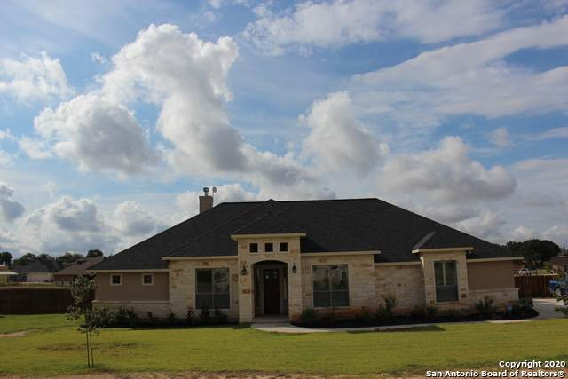 327 Abrego Lake Dr, Floresville, TX 78114 (MLS #1472234) :: 2Halls Property Team   Berkshire Hathaway HomeServices PenFed Realty
