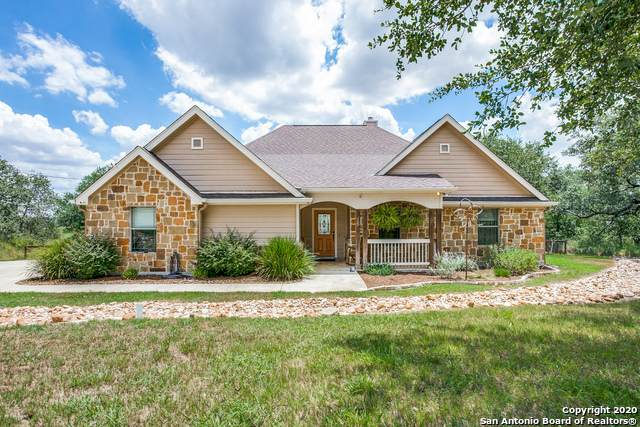 15 Patchwork Corners, Poteet, TX 78065 (#1472755) :: The Perry Henderson Group at Berkshire Hathaway Texas Realty