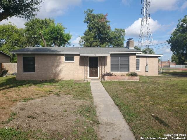 7431 Dell Oak Dr, San Antonio, TX 78218 (#1473100) :: The Perry Henderson Group at Berkshire Hathaway Texas Realty