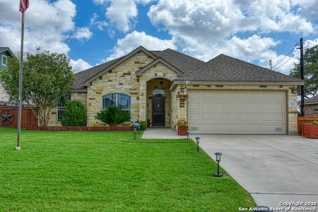 121 Parkcrest, Floresville, TX 78114 (MLS #1473791) :: Carolina Garcia Real Estate Group