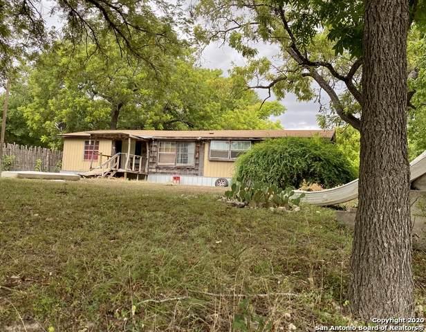 1305 Elm Pass Rd, Center Point, TX 78010 (MLS #1473795) :: The Gradiz Group