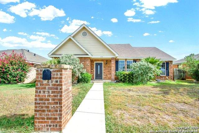 1514 33rd St, Hondo, TX 78861 (#1473953) :: The Perry Henderson Group at Berkshire Hathaway Texas Realty