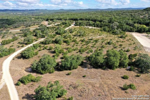 27375 Toutant Beauregard Rd, Boerne, TX 78006 (MLS #1474093) :: The Heyl Group at Keller Williams