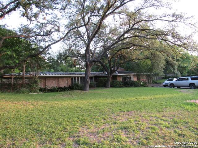 700 Elizabeth Rd, Terrell Hills, TX 78209 (MLS #1474185) :: Alexis Weigand Real Estate Group