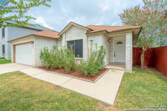 8022 Chestnut Cape Dr, Converse, TX 78109 (MLS #1474226) :: The Heyl Group at Keller Williams
