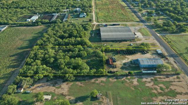 906 Fm 3176, Devine, TX 78016 (MLS #1474379) :: Tom White Group