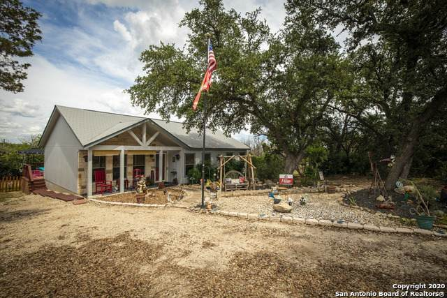 1652 Point View, Spring Branch, TX 78070 (MLS #1474403) :: Carolina Garcia Real Estate Group