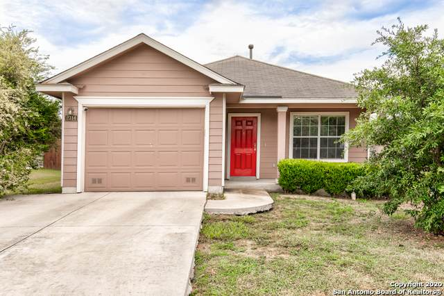 2314 Salmon Crk, Converse, TX 78109 (#1474862) :: The Perry Henderson Group at Berkshire Hathaway Texas Realty