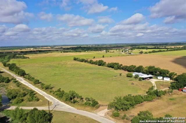 330 County Road 4517, Hondo, TX 78861 (#1474989) :: The Perry Henderson Group at Berkshire Hathaway Texas Realty
