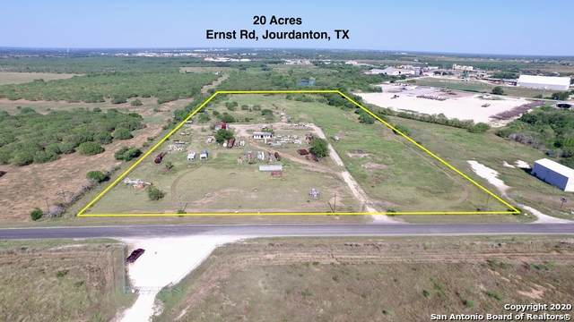 100 Ernst Rd, Jourdanton, TX 78026 (#1475064) :: The Perry Henderson Group at Berkshire Hathaway Texas Realty