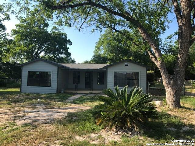 735 Cresthill Rd, San Antonio, TX 78220 (#1475394) :: The Perry Henderson Group at Berkshire Hathaway Texas Realty