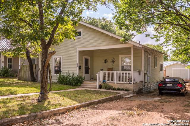 821 Robinson Ave, Kerrville, TX 78028 (MLS #1475511) :: Legend Realty Group