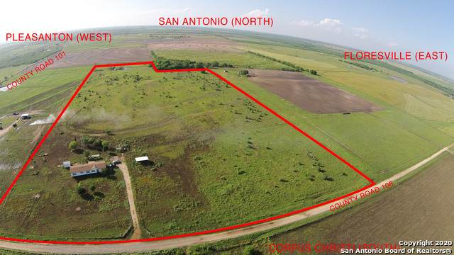 4785 Lucas Rd, Floresville, TX 78114 (#1475685) :: The Perry Henderson Group at Berkshire Hathaway Texas Realty