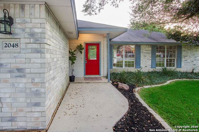 2048 Stonehaven, New Braunfels, TX 78130 (MLS #1475729) :: Alexis Weigand Real Estate Group