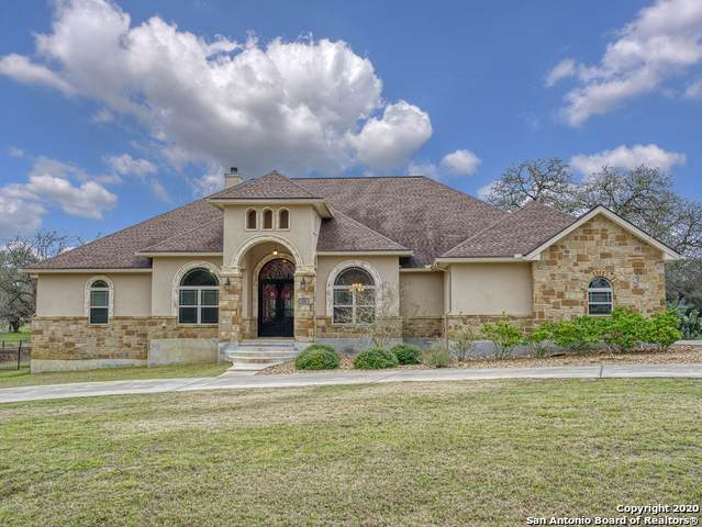 108 Bridgewater Dr, La Vernia, TX 78121 (MLS #1475935) :: Alexis Weigand Real Estate Group