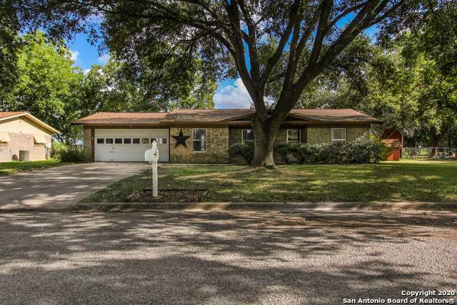 1722 Westview, Seguin, TX 78155 (MLS #1476003) :: Concierge Realty of SA