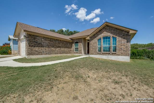 1507 Fisher Ln, Hondo, TX 78861 (#1476037) :: The Perry Henderson Group at Berkshire Hathaway Texas Realty