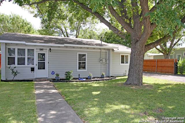 1507 20TH ST, Hondo, TX 78861 (MLS #1476074) :: NewHomePrograms.com LLC