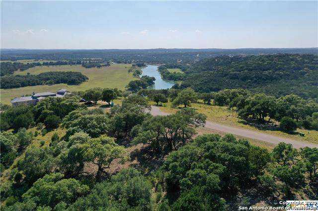 255 River Bend Pl, Spring Branch, TX 78070 (MLS #1476289) :: Concierge Realty of SA