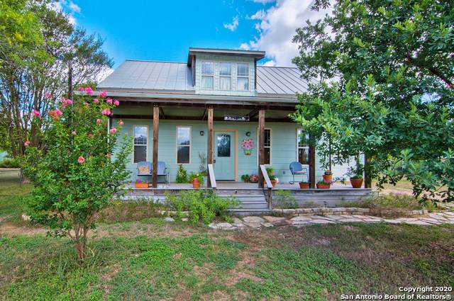 624 Academy Street, Blanco, TX 78606 (#1476373) :: The Perry Henderson Group at Berkshire Hathaway Texas Realty