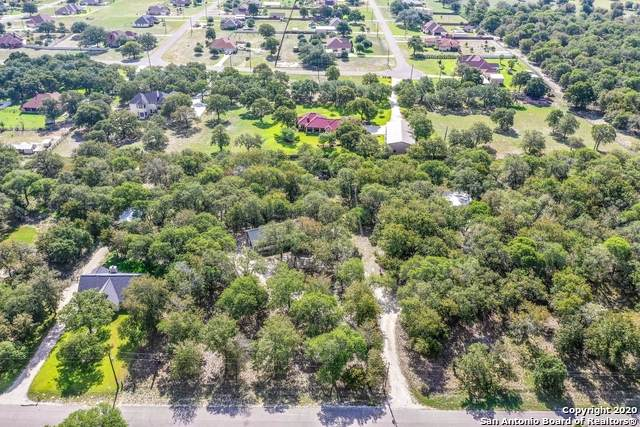281 Wood Valley Dr, Adkins, TX 78101 (#1476440) :: The Perry Henderson Group at Berkshire Hathaway Texas Realty