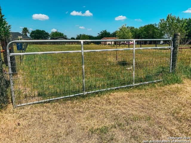 N/A Longhorn Drive, Floresville, TX 78114 (#1476495) :: 10X Agent Real Estate Team
