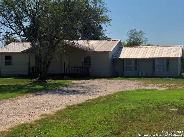 16475 Senior Rd, Von Ormy, TX 78073 (#1476597) :: The Perry Henderson Group at Berkshire Hathaway Texas Realty