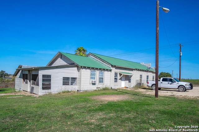 558 Us Highway 181 S, Floresville, TX 78114 (#1476605) :: 10X Agent Real Estate Team