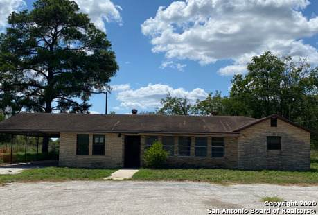 13829 Fm 472, Bigfoot, TX 78005 (#1476855) :: The Perry Henderson Group at Berkshire Hathaway Texas Realty