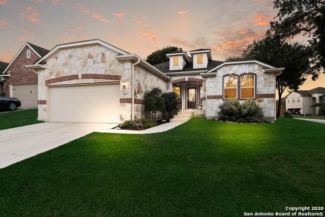 1019 Lariat Cove, San Antonio, TX 78260 (#1476896) :: The Perry Henderson Group at Berkshire Hathaway Texas Realty