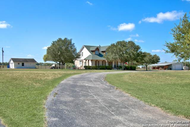1537 Zuehl Crossing, La Vernia, TX 78121 (#1476983) :: The Perry Henderson Group at Berkshire Hathaway Texas Realty