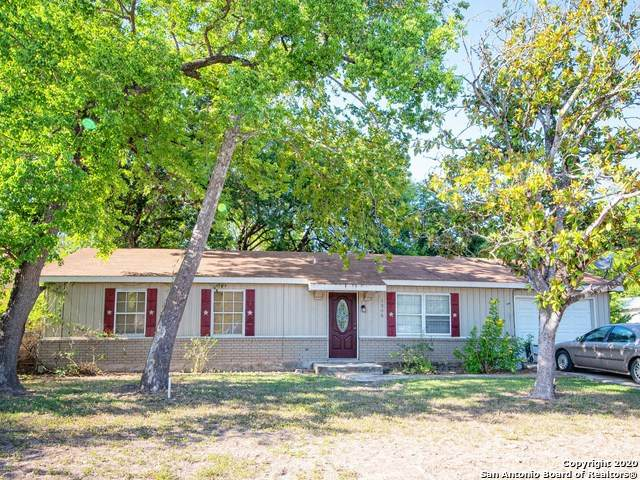 1306 11th St, Hondo, TX 78861 (MLS #1477302) :: The Real Estate Jesus Team