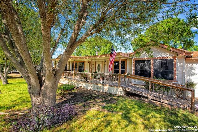 2909 Southern Breeze, Hondo, TX 78861 (MLS #1477861) :: The Real Estate Jesus Team