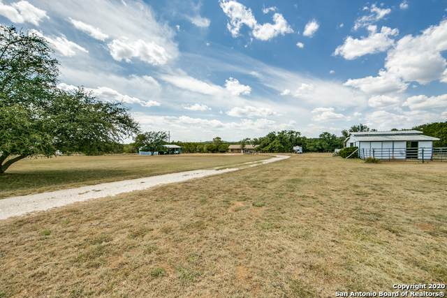 1100 Cypress Park Ln, Pipe Creek, TX 78063 (MLS #1478871) :: The Lugo Group