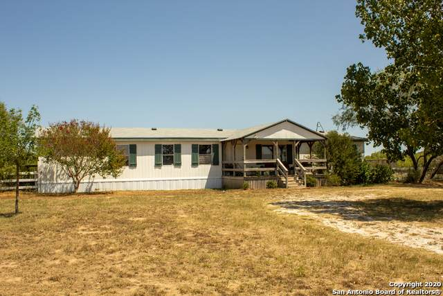 1351 Quail Run, Lytle, TX 78052 (MLS #1479097) :: The Castillo Group